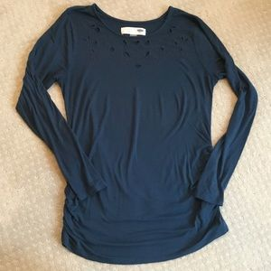 Old Navy maternity long sleeved tee